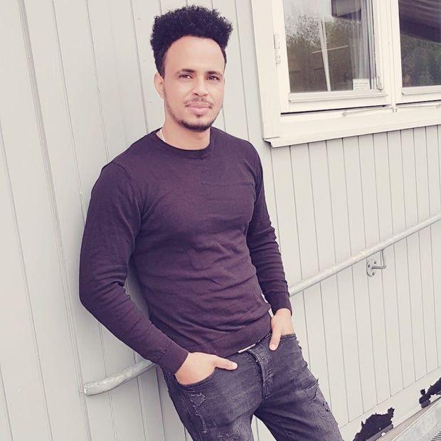 Online Chat & Dating in Hallsberg | Meet Men - HotOrNot